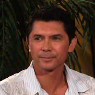 lou diamond phillips filipino american immigrant