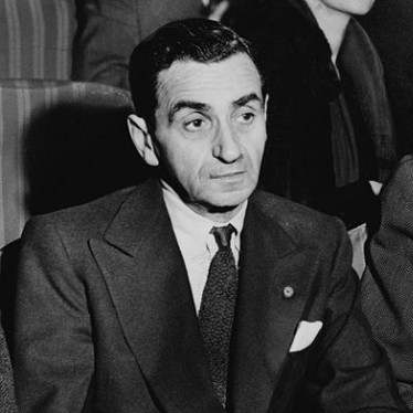 Irving Berlin, Russian American immigrant, one of many notable immigrant birthdays in May