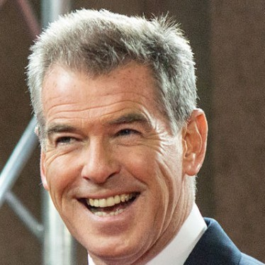 pierce brosnan irish american immigrant
