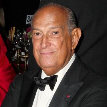 Oscar de la Renta, Dominican American immigrant