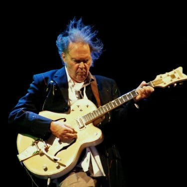 Neil Young, Canadian American immigrant