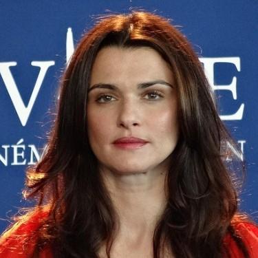 Rachel Weisz, English American immigrant