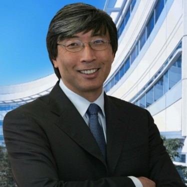 Patrick Soon-Shiong, Chinese American immigrant