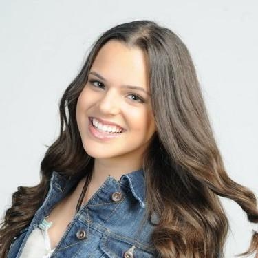Isabella Castillo, Cuban American immigrant