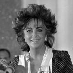 elizabeth taylor renounced us citizenship