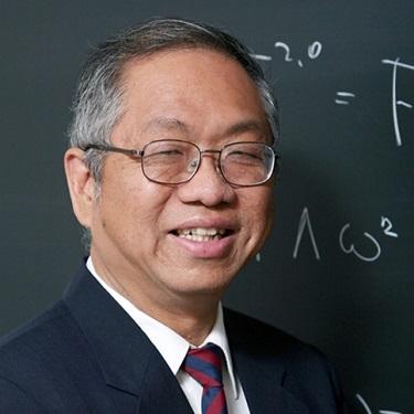 Shing Tung Yau, Chinese American immigrant