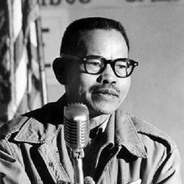 Larry Itliong, Filipino American immigrant